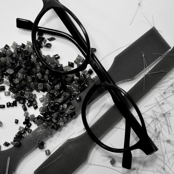 Des lunettes en filet de pêche recyclés